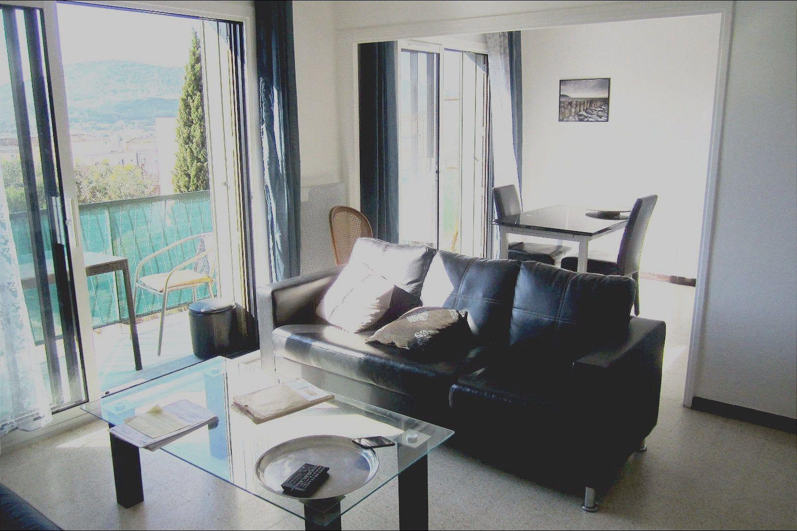 acces immobilier vente et location hyeres toulon appartements maisons villas. Black Bedroom Furniture Sets. Home Design Ideas